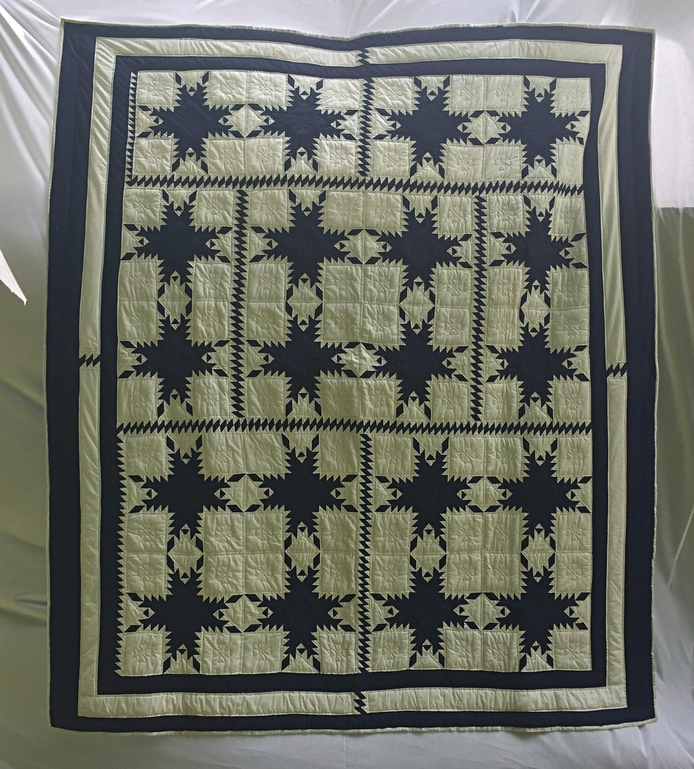 Merry Mariner S Heirloom Quilt In Navy And White Feathered Star