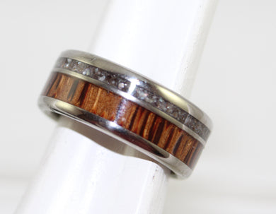 Men's Hawaiian Titanium Wilderness Palm Wood & Black Pearl Inlay Band Ring