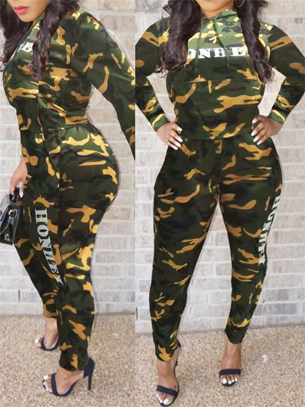 Hooded Collar Camouflage & Letter Print Casual Two Piece Outfits