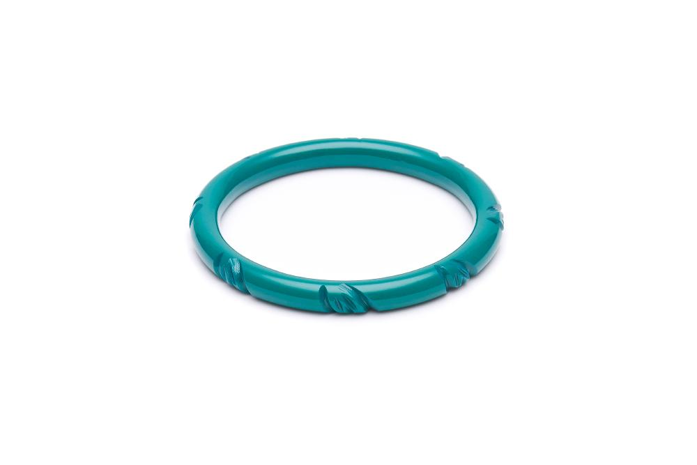 Splendette Narrow Jade Green Heavy Carve Fakelite Bangle