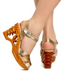 Lucky Lou Pagoda Wedge - Gold