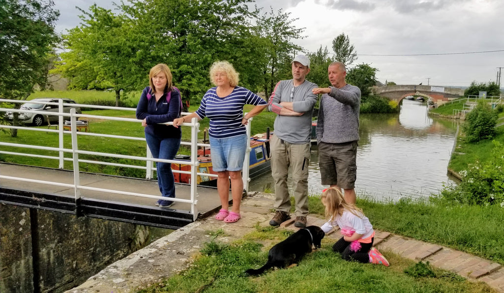Discussing the Finer Points of Lock Operation on the Kennett & Avon Canal