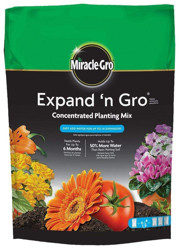Miracle-Gro Lawn & Patio Expand 'N Gro Potting Soil 0.67 CF