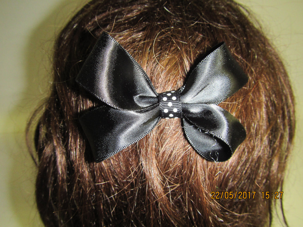 Small Black Bow