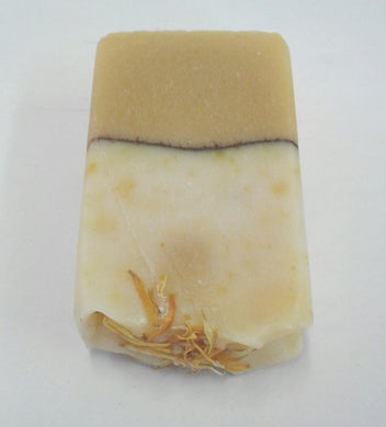 Handcrafted Goatsmilk, Calendula and Honey soap (no palm oil)