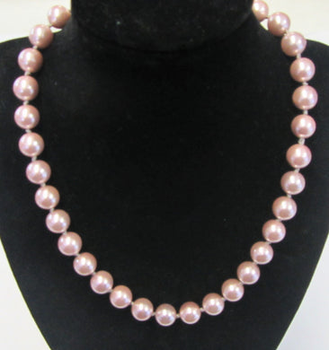Beautiful handcrafted purple shell pearl knotted necklace with magnetic clasp