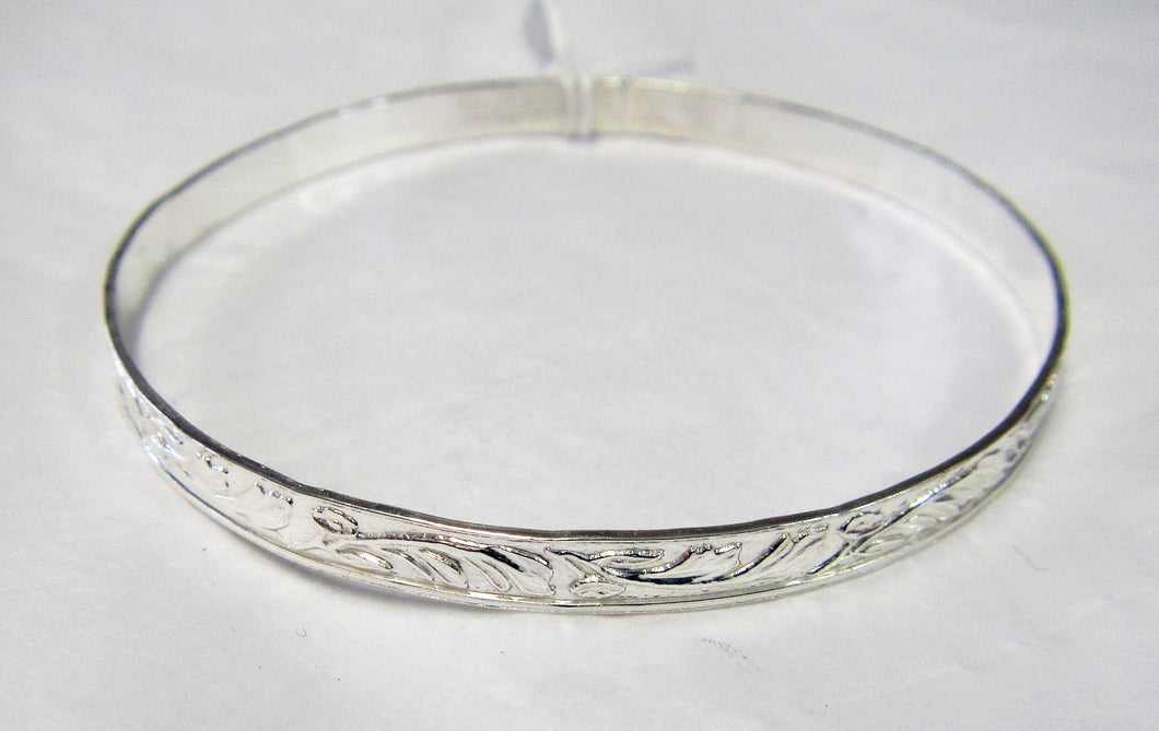 Handcrafted 925 sterling silver patterned child's bangle
