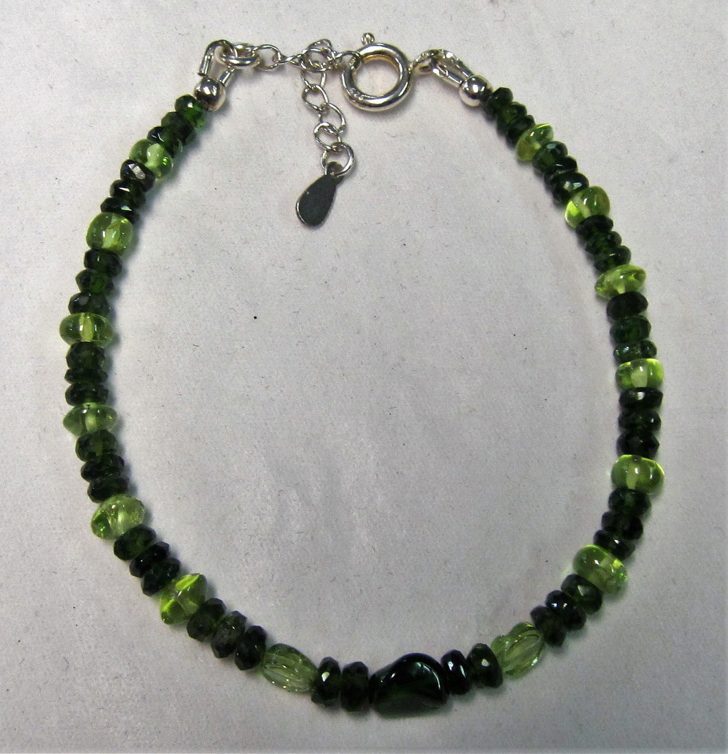 Beaded bracelet with chrome diopside and peridot stones