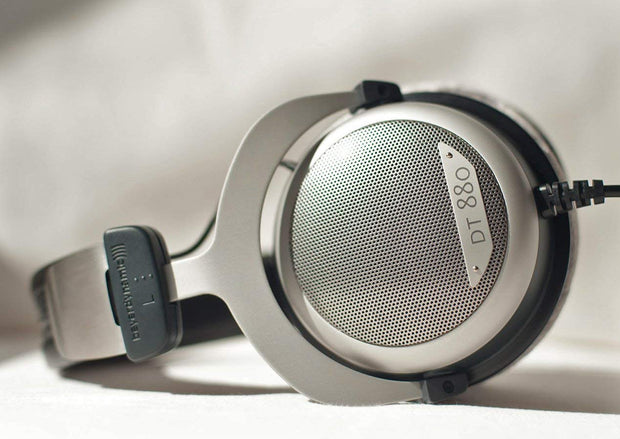 Beyerdynamic dt 880 edition 250 ohm headphones - Audio Influence Australia