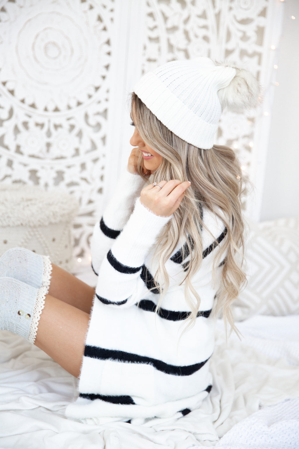 White Pom Pom Beanie- FINAL SALE