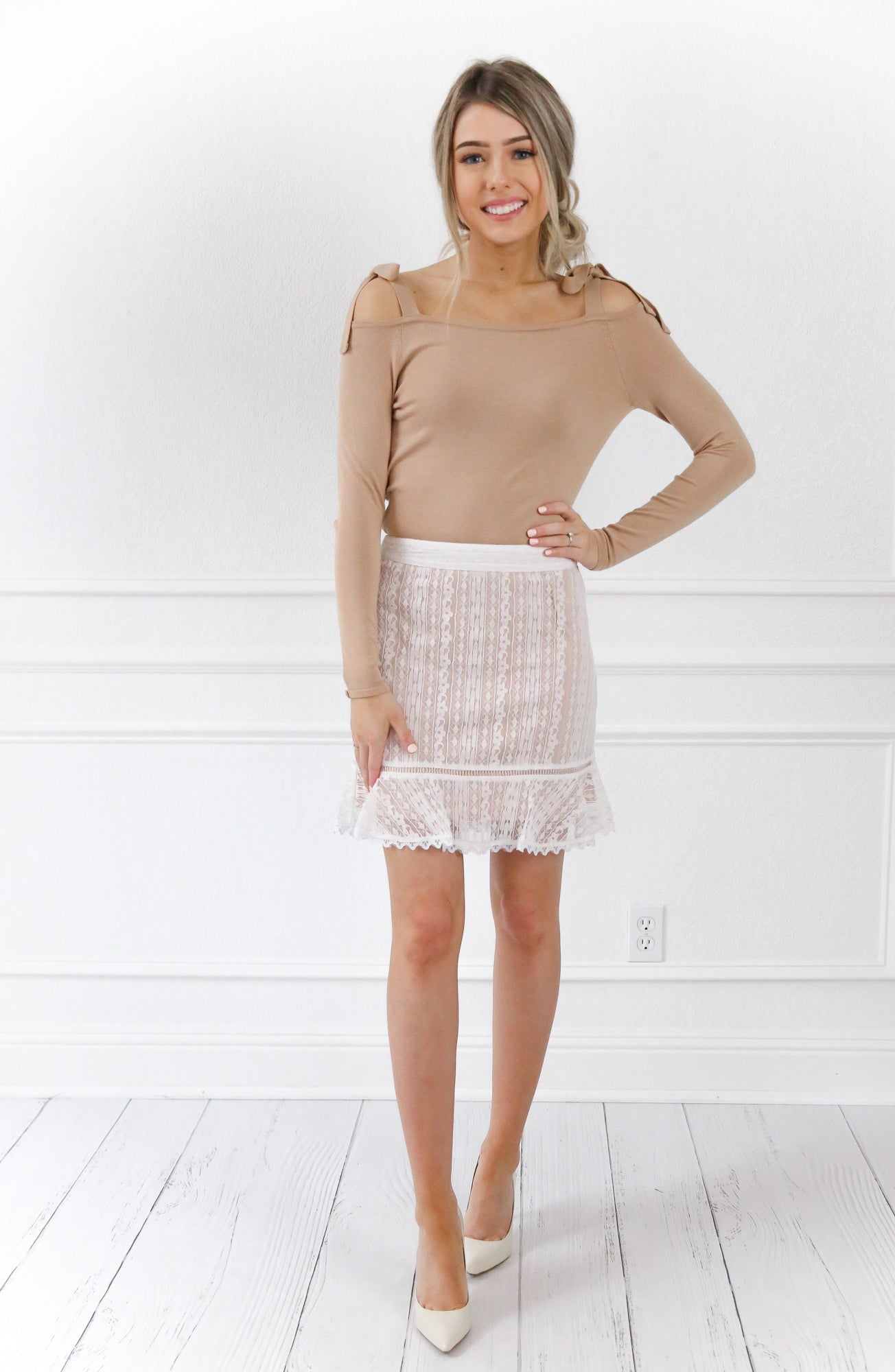 IVORY LACE SKIRT-LOST AND WANDER