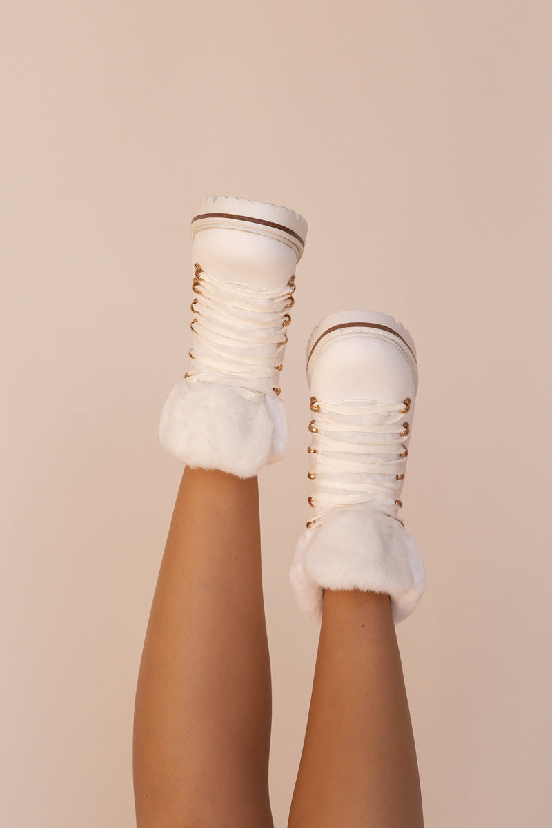 Bey White Boots | LLACIE