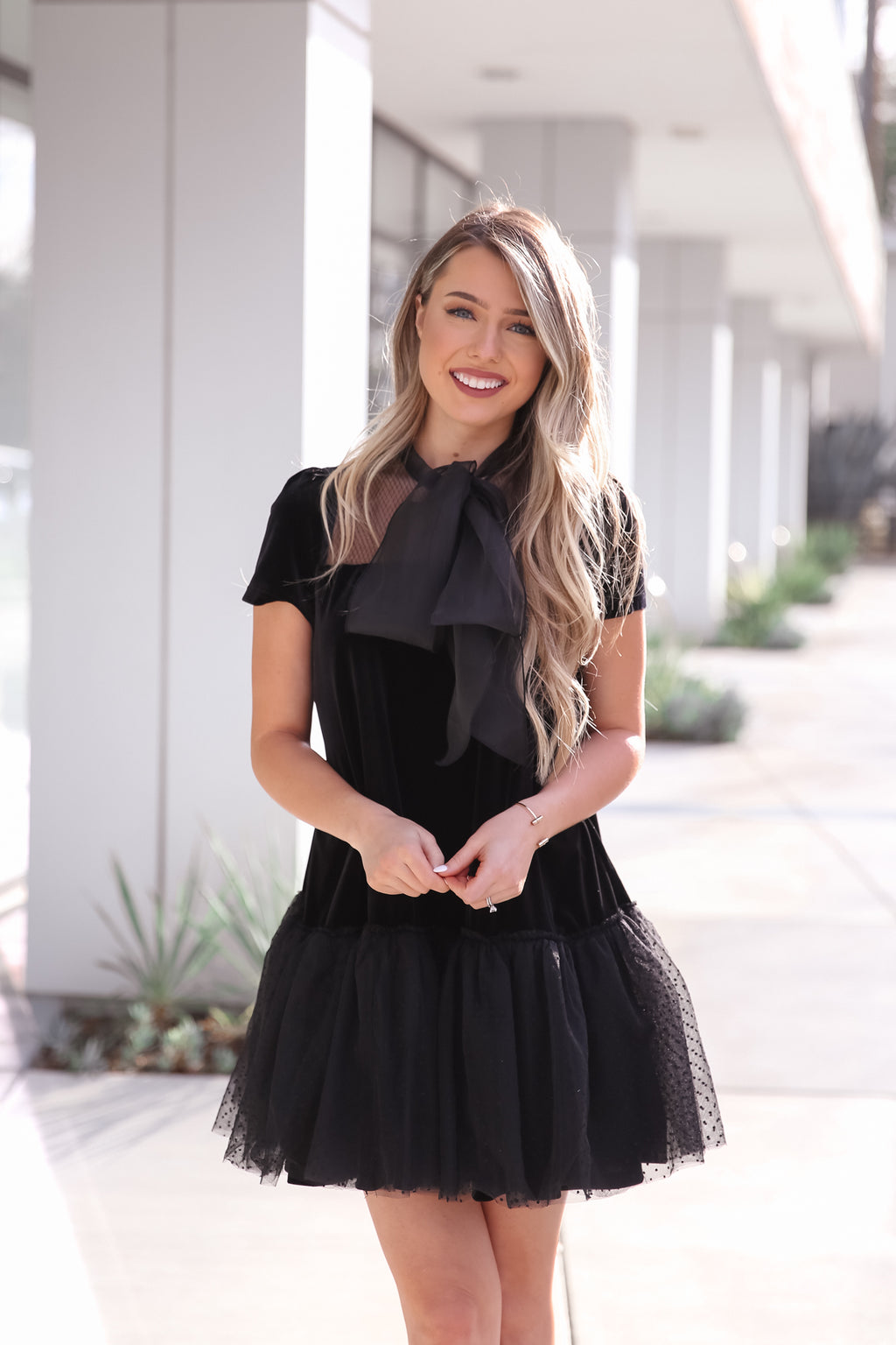 London Black Vlevet Dress
