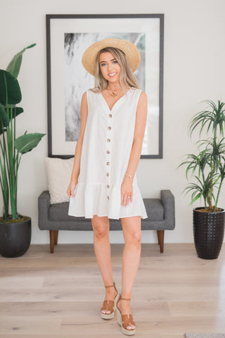 Sleeveless Button Down Shift Dress - llacie