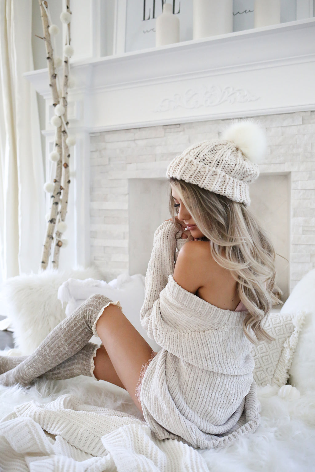 Knit Beanie Hat with Fur Pom Pom - llacie