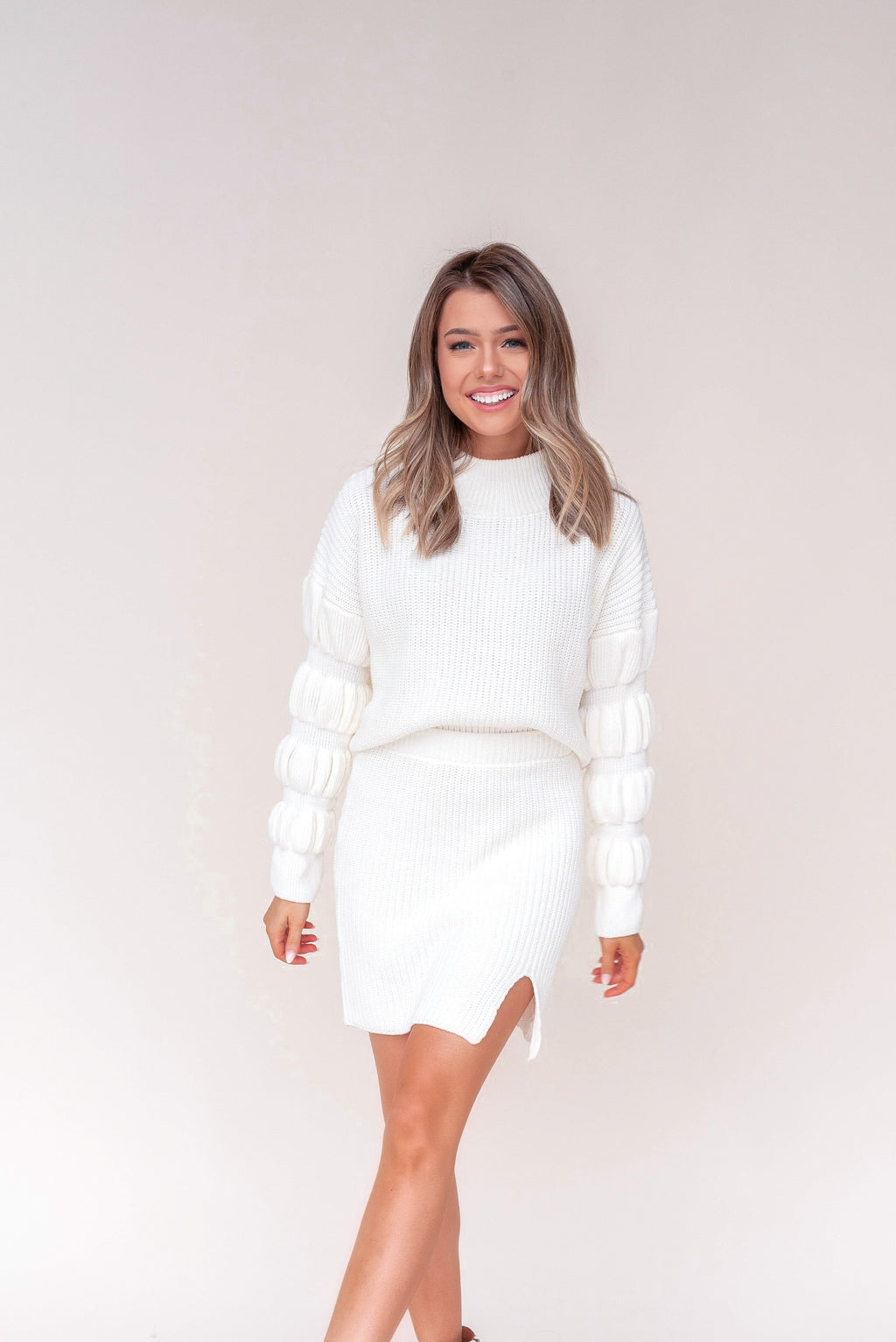 Moon City Bubble Sleeve Set | White | LLACIE
