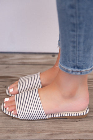 Navy Sea Side Sandals - llacie