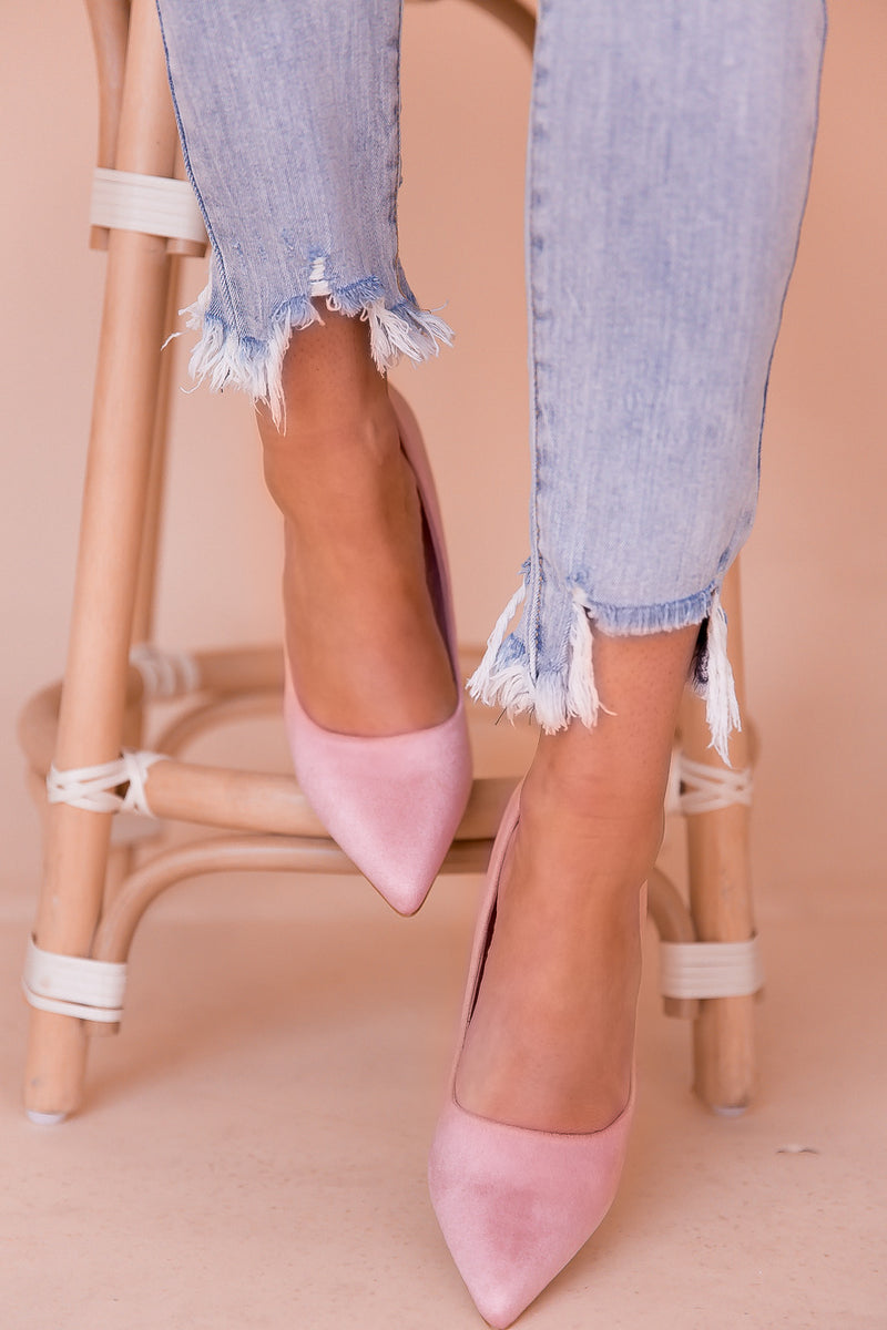 Picture Perfect Pink Pointed Pumps