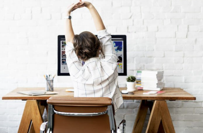 HOW TO BE HEALTHY IN THE OFFICE: 5 simple steps