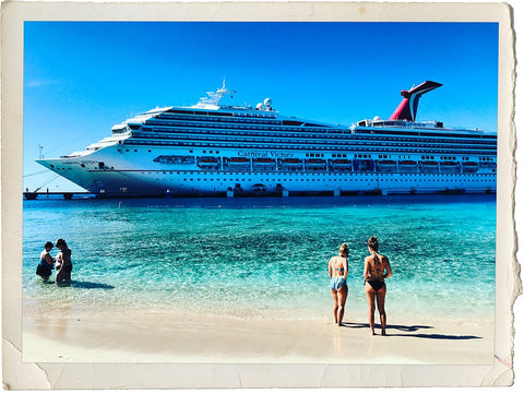 Cruise guests taking a break from the cruise to enjoy the ocean in Turks & Caicos.