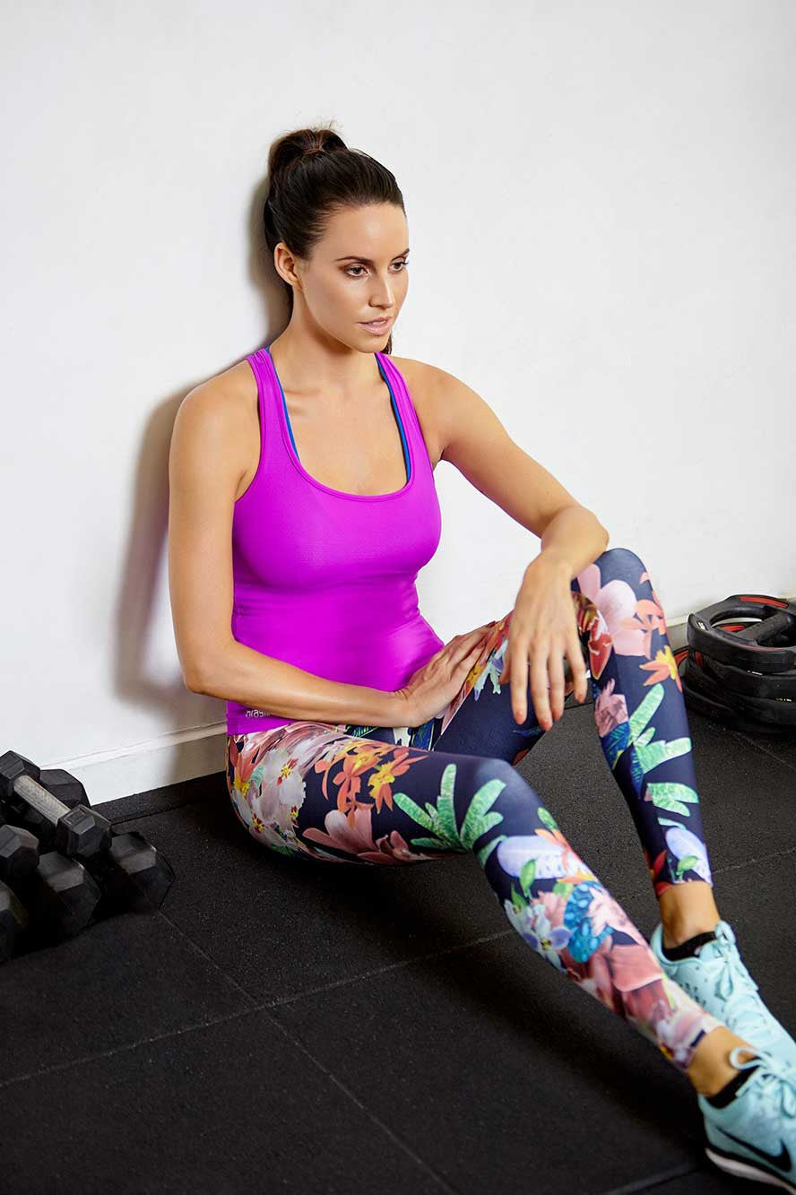 Brasilfit activewear featured promotions image for crazy prints.  Model wearing Brasilfit Crazy Prints activewear leggings.