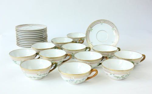12 Tea Cups & Saucers Royal Copenhagen 'Flora Danica'