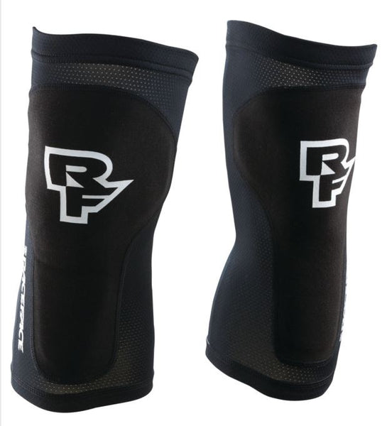 Raceface Charge Knee Pads Black - Pitcrew.nz