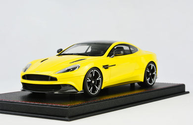 Frontiart AvanStyle 1/18 Aston Martin Vanquish S Yellow AS018-121