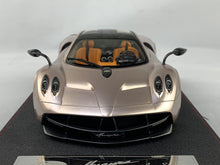 Frontiart AvanStyle 1/18 Pagani Huarya Coupe Gold AS021-127