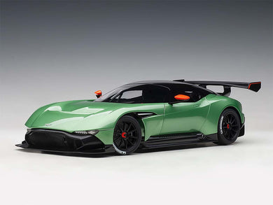 AUTOART 1/18 ASTON MARTIN VULCAN APPLE TREE GREEN METALLIC 70263