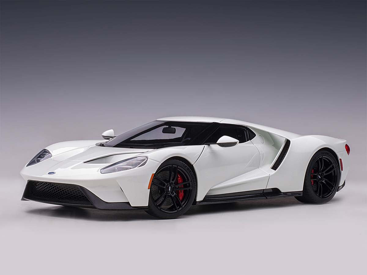 AUTOART 1/18 FORD GT 2017 (FROZEN WHITE) 72941