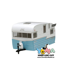 GreenLight 1/24 Shasta 15 inch Airflyte - White and Blue Diecast Model Car 18229