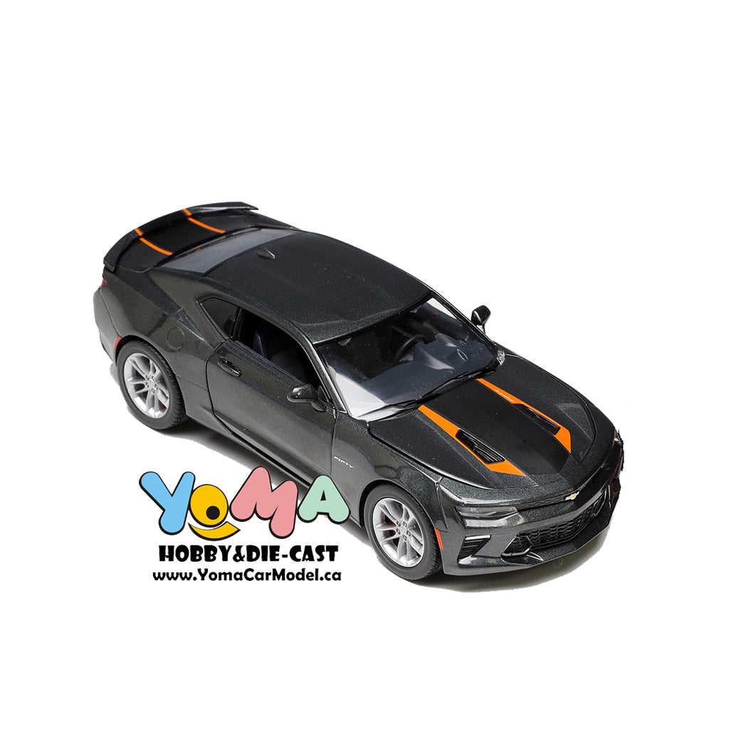 GreenLight 1/24 2017 Chevrolet Camaro SS 50th Anniversary Edition Diecast Model Car 18234