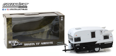 GreenLight 1/24 Hitch & Tow Trailers Series 4 - Shasta 15 feet Airflyte - White and Black 18440-B