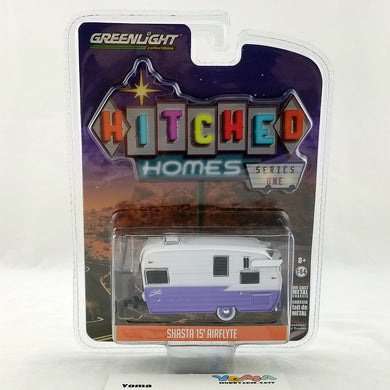 GreenLight 1/64 Hitched Homes Series 1 - Shasta 15 inch Airflyte - White and Purple Diecast Model Car 34010-E