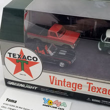 GreenLight 1/64 Motor World Multi-Car Dioramas - Texaco Vintage Gas Station Diecast Model Car 58037