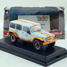GreenLight 1/43 2015 Jeep Wrangler Unlimited - Gulf Oil with Off-Road Bumpers Diecast Model Car 86089