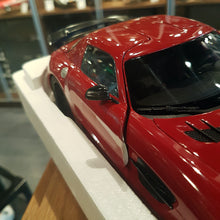 Minichamps 1/18 Mercedes Benz SLS Amg Black Series 2013 Red With Flaws 110033022