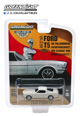 GreenLight 1:64 1965 Ford T5 - White 30120