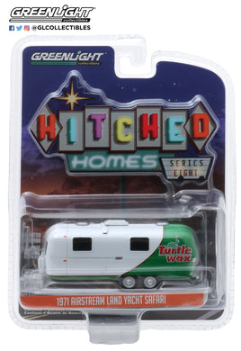 GreenLight 1:64 Hitched Homes Series 8 - 1971 Airstream Double-Axle Land Yacht Safari - Turtle Wax Wrap 34080-C
