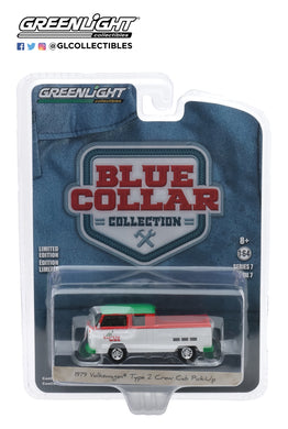 GreenLight 1:64 Blue Collar Collection Series 7 - 1979 Volkswagen Type 2 Crew Cab Pick-Up Doka - Turtle Wax 35160-C