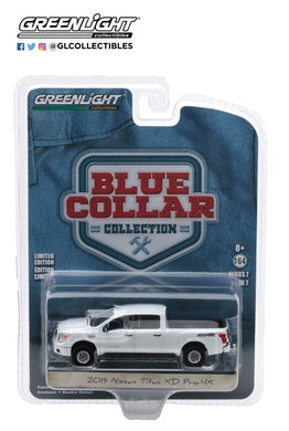 GreenLight 1:64 Blue Collar Collection Series 7 - 2019 Nissan Titan XD Pro-4X - Pearl White 35160-F
