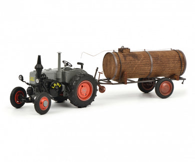 Schuco 1/32 Lanz Bulldog tractor with manure trailer 450769400