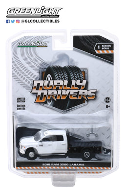GreenLight 1:64 Dually Drivers Series 1 - 2018 Dodge Ram 3500 Dually Flatbed - White 46010-F