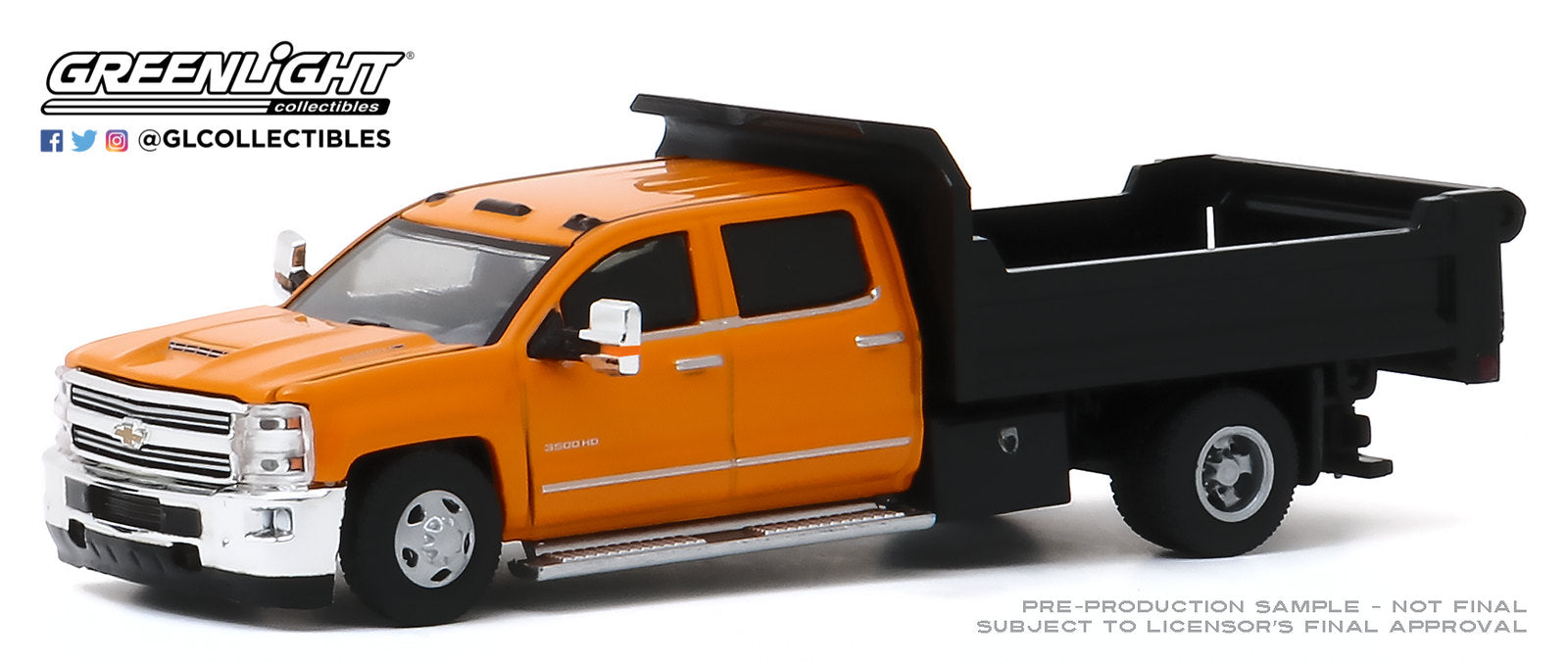 GreenLight 1:64 Dually Drivers Series 4 - 2017 Chevrolet Silverado 3500 Dually Dump Truck - Orange and Black 46040-B