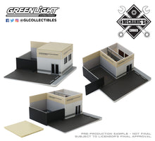 GreenLight 1:64 Mechanic s Corner Series 6 - Hot Pursuit Central Command - Las Vegas Metropolitan Police Department 57063