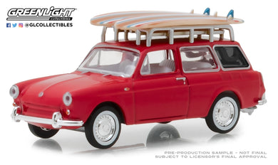 GreenLight 1/64 The Hobby Shop Series 5 - 1962 Volkswagen Type 3 Squareback with Roof Rack and Surfboards 97050-A
