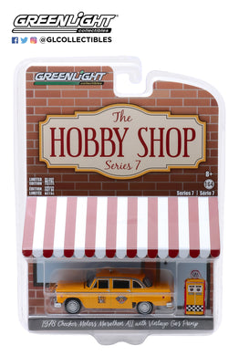 GreenLight 1:64 The Hobby Shop Series 7 - 1978 Checker Motors Marathon A11 Taxi with Vintage Gas Pump 97070-E