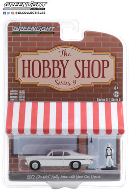 GreenLight 1:64 The Hobby Shop Series 9 - 1972 Chevrolet Rally Nova with Race Car Driver 97090-C