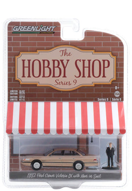 GreenLight 1:64 The Hobby Shop Series 9 - 1992 Ford Crown Victoria LX with Man in Suit 97090-E